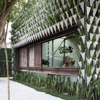 Superlimao-studio-green-facade