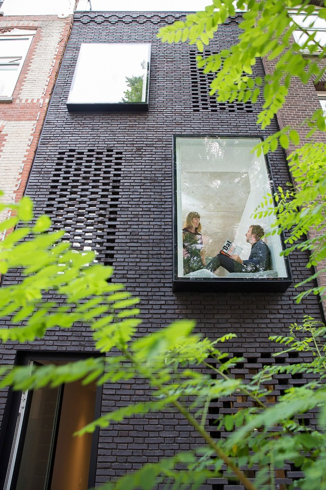 skinny-house-gwendolyn-huisman-architecture-residential-rotterdam_dezeen_2364_col_4 - Copy - Copy